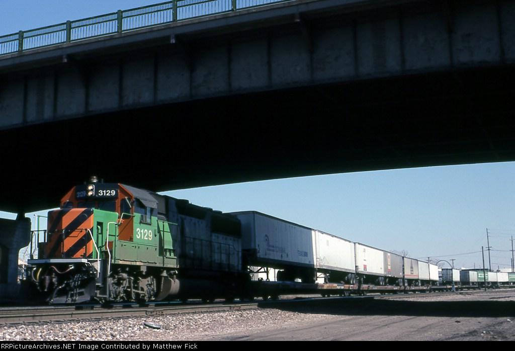 BN intermodal at Grand Avenue
